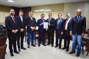Comissão de Meio Ambiente apresenta carta para Jair Bolsonaro