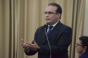 Davi Maia quer comissão de acompanhamento de obras do Estado
