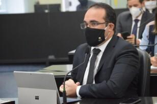 Davi Maia quer esclarecimentos do governador da Bahia sobre compra de respiradores