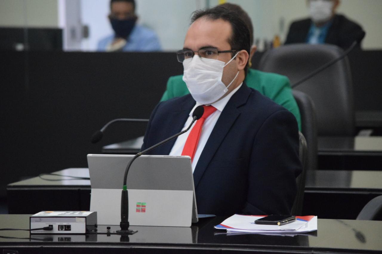 """Davi Maia acusa Governo do Estado de produzir """"fake news"""""""