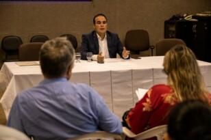 Em encontro com imprensa, Davi Maia apresenta processo seletivo para vagas em gabinete