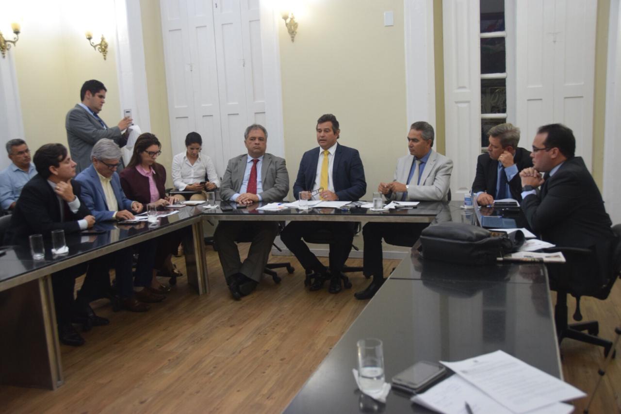 Secretário Maurício Quintella vai a ALE prestar esclarecimentos