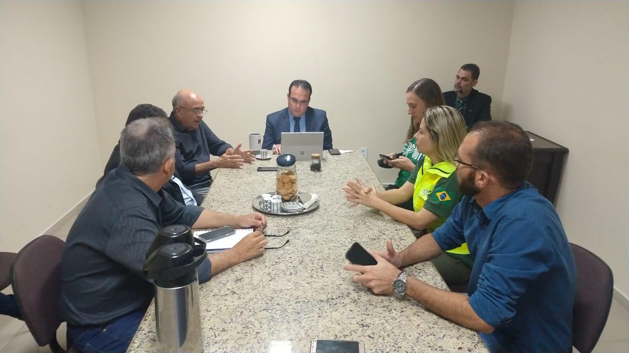 ALE debate manchas de petróleo na costa brasileira