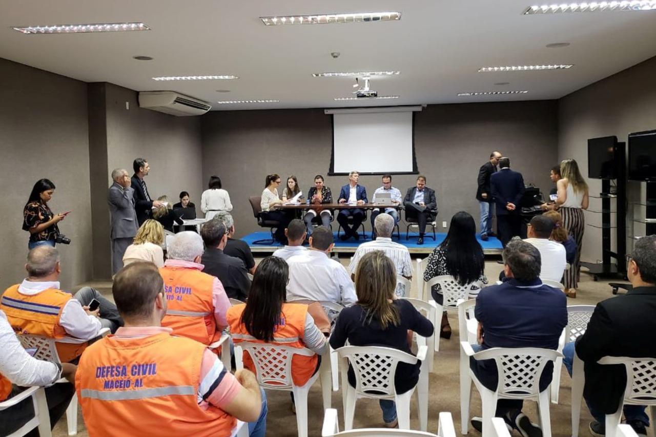 Comissão defende ações integradas para minimizar danos às famílias do Pinheiro e região