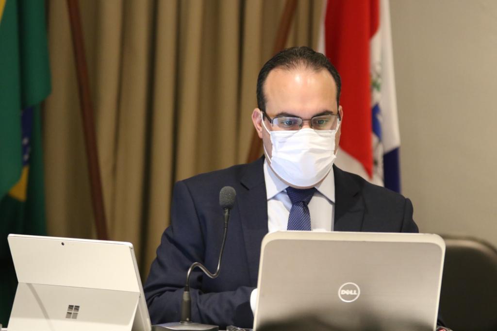 PL que reduz impostos do IPVA, de relatoria do deputado Davi Maia, é sancionado pelo Governo de Alagoas