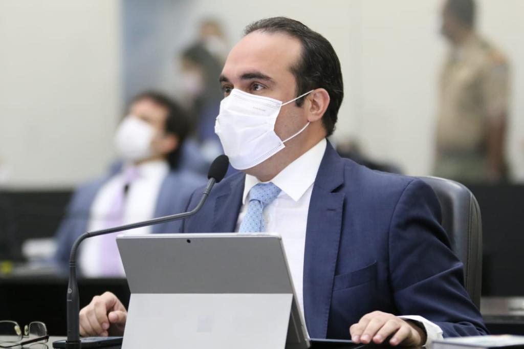 Davi Maia protocola PLO de piso salarial mínimo para profissionais da Enfermagem