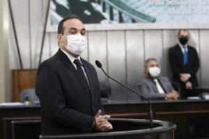 Davi Maia questiona Governo de Alagoas sobre quantidade de testes da Covid-19